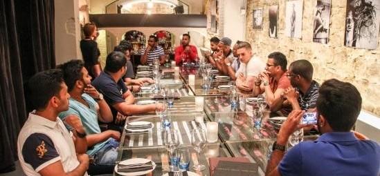 Restaurantes con comedor privado en Barcelona. Menús para grupos Barcelona para cenas de clase. Restaurante para fiestas privadas Barcelona. Comidas de Navidad en Barcelona
